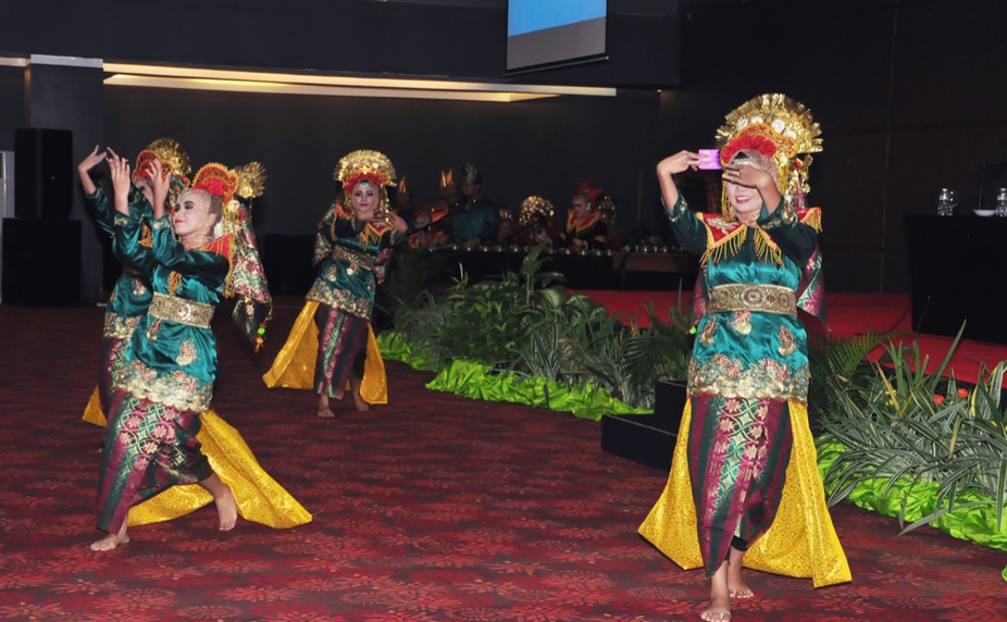 Indonesia's Minangkabau culture promotes empowered Muslim women
