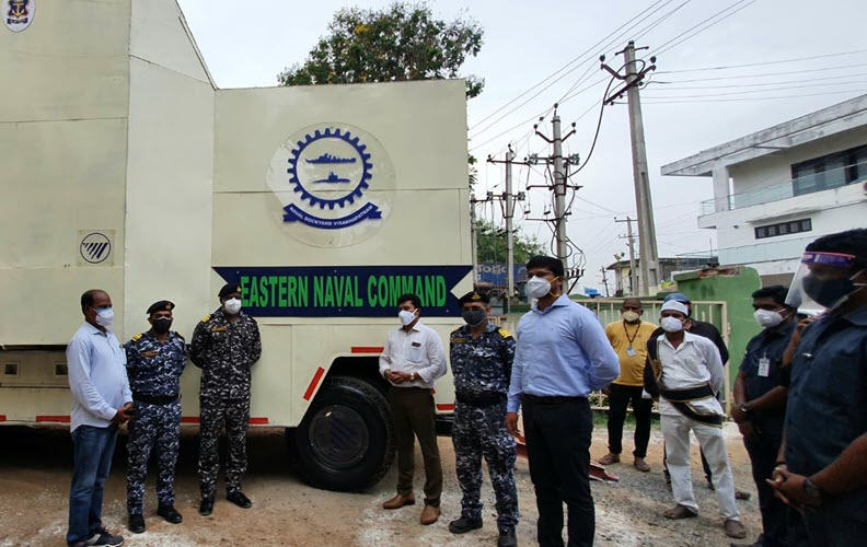 Indian Navy Provides 'Oxygen on Wheels' to Palasa COVID Care Centre